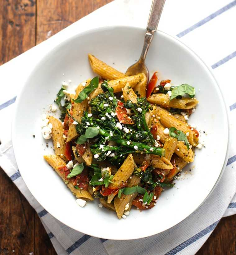 Lemony and green penne pasta