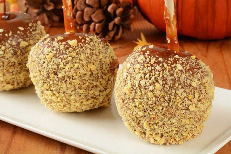 Apple caramel crunch balls