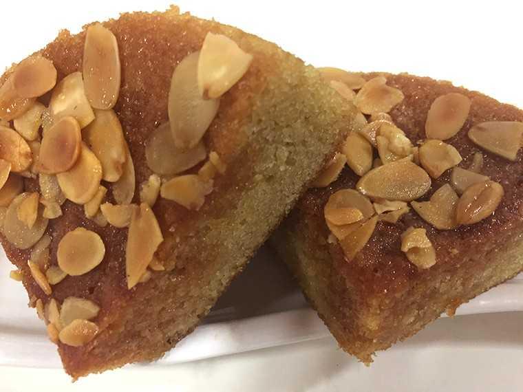 German apple almond cake