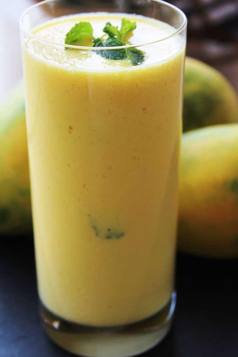 Mint-infused mango shake