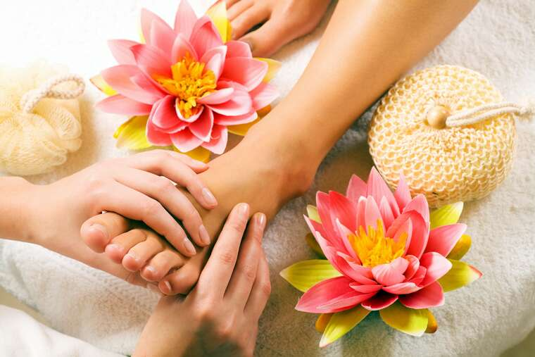 Home remedies for swollen feet and ankles | Femina in