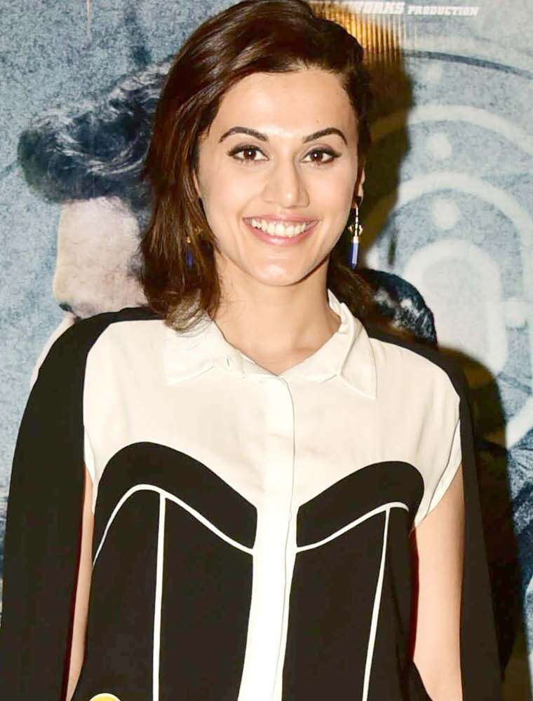 We can't take our eyes off Taapsee's radiant skin and perfectly arched brows.