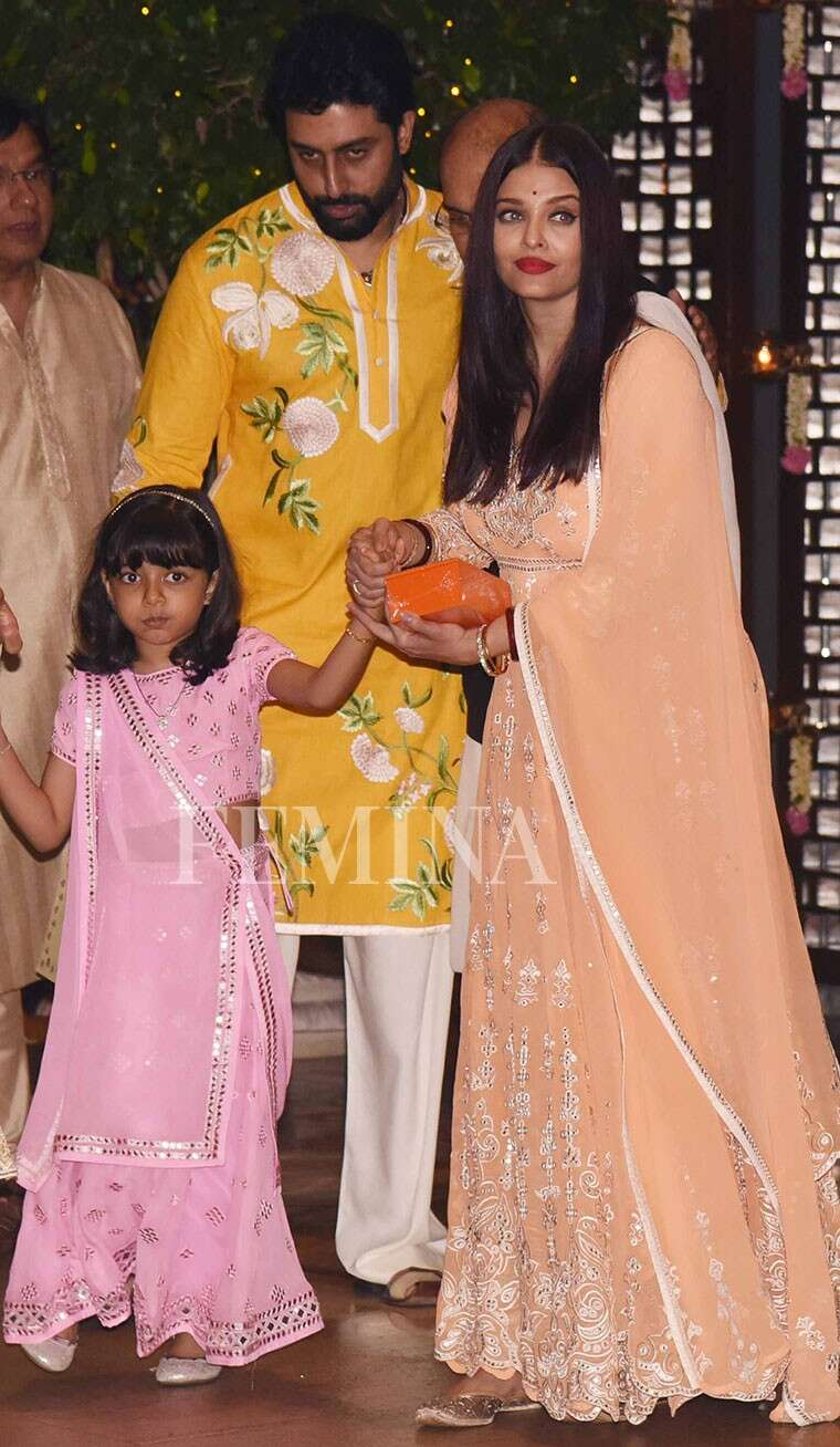 Aaradhya at Ambani Ganpati party