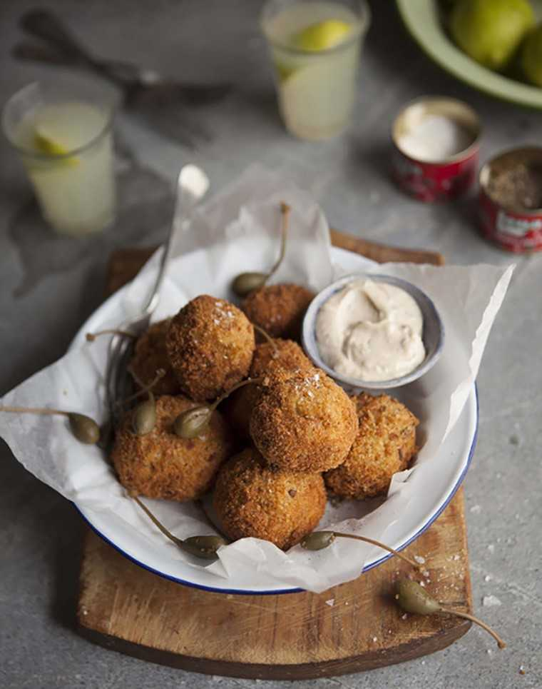 Cauliflower and cheese croquettes