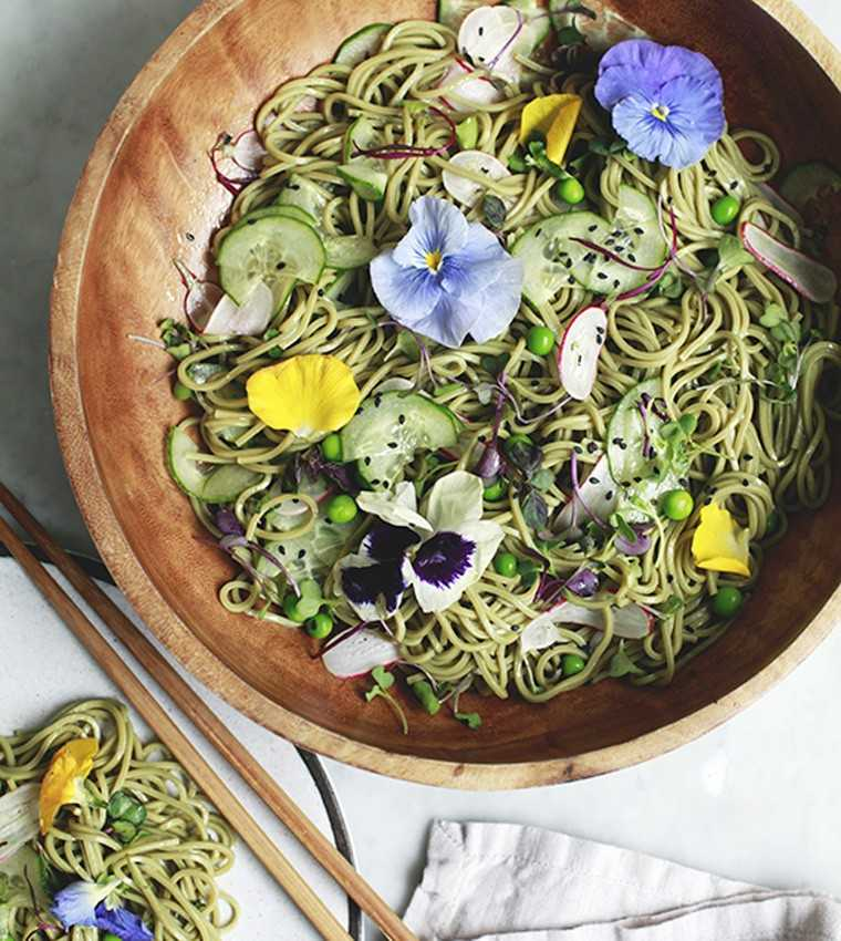 Spring matcha soba noodle salad @thejewelsofny.com