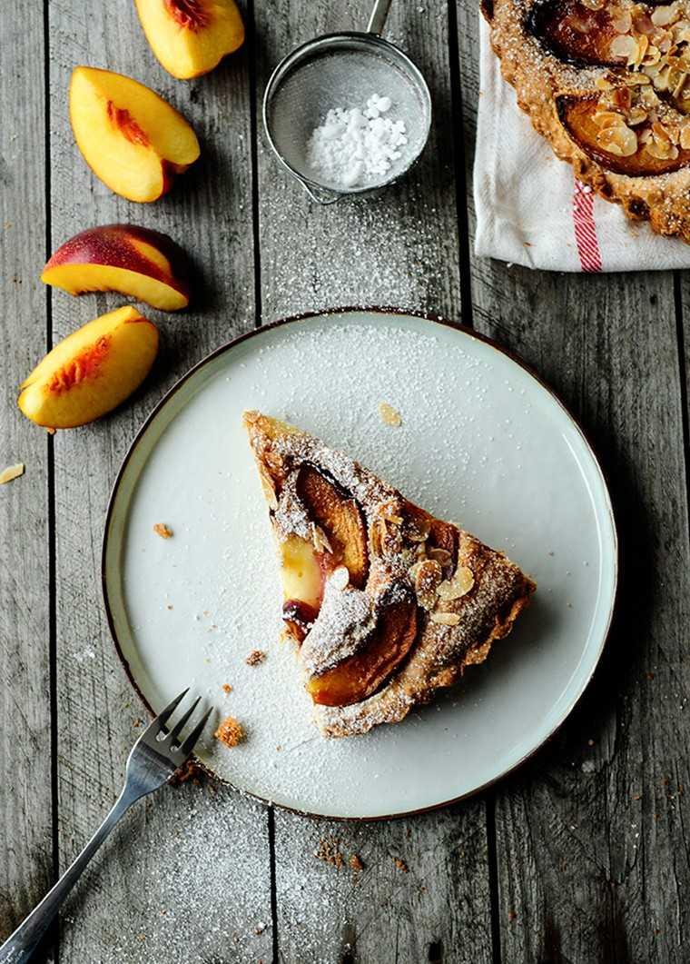 Ginger tart with nectarines