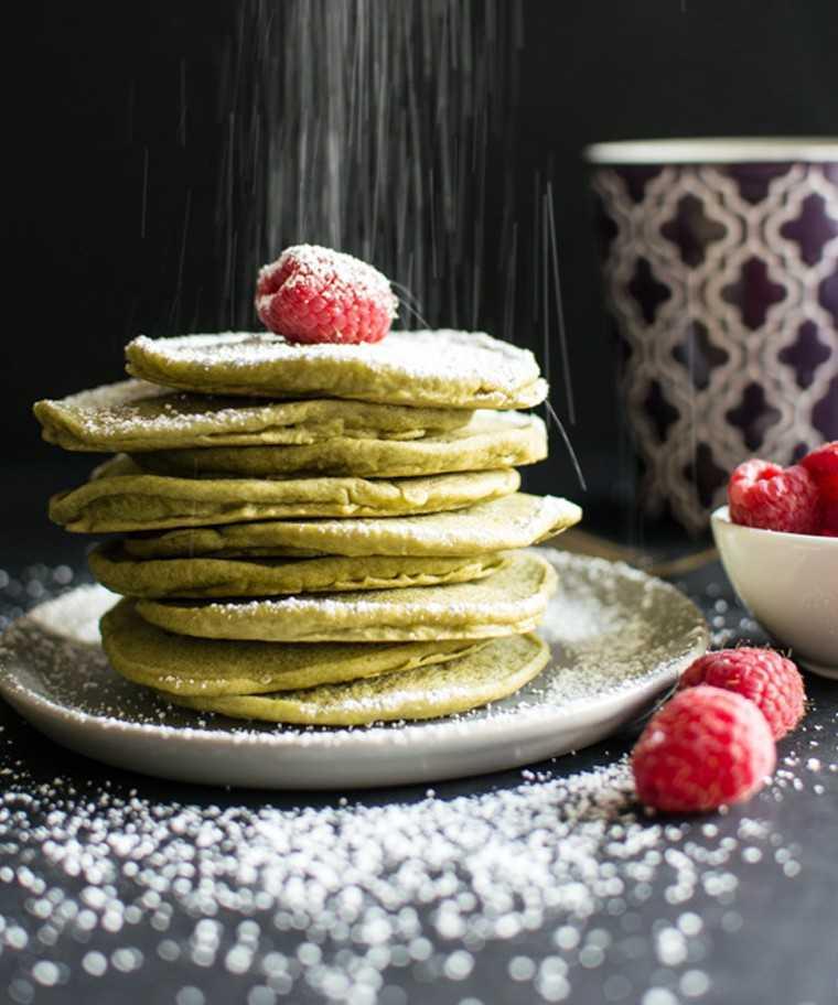Vegan green tea pancakes @healthynibblesandbits.com