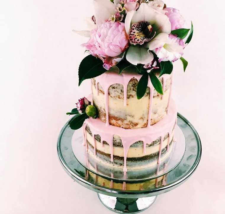 Naked floral cake at t www.moncheribridals.com
