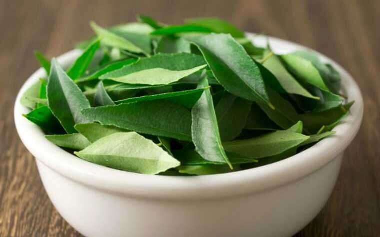 Curry leaves: