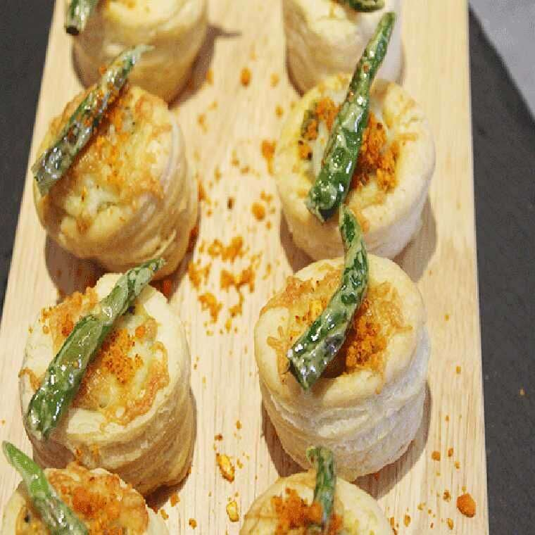 Baked vada vol au vents
