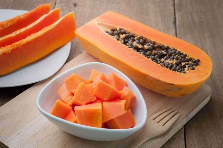 Honey and papaya for remove tan