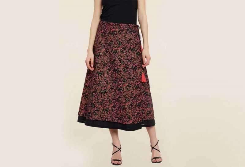 9rasa Black Paisley Print Skirt