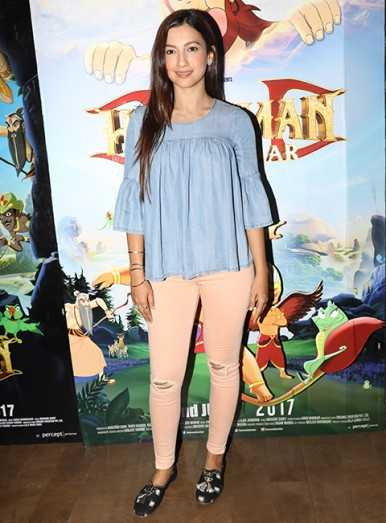 Gauhar Khan dresses up in sorbet shades. Make this look yours.